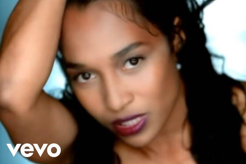Best Karaoke Songs For Girls – No Scrubs