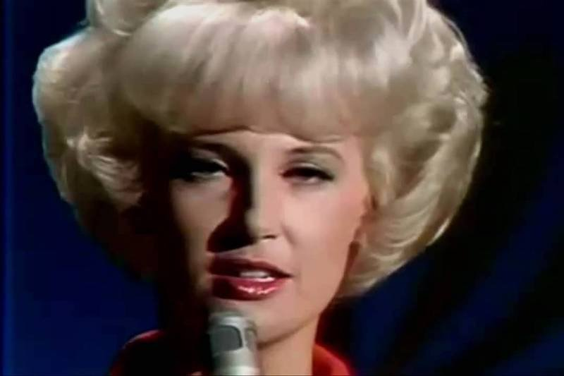 Best Country Songs For Karaoke – Tammy Wynette Stand By Your Man