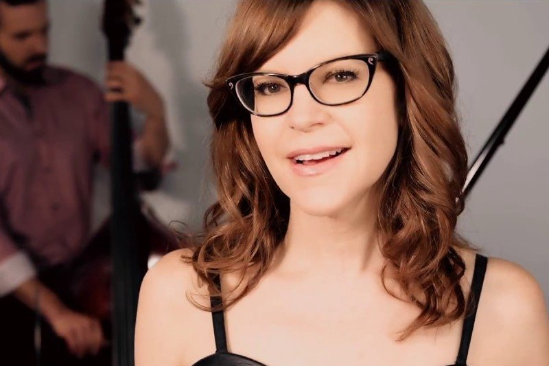 Easiest Karaoke Songs To Sing – Lisa Loeb Stay