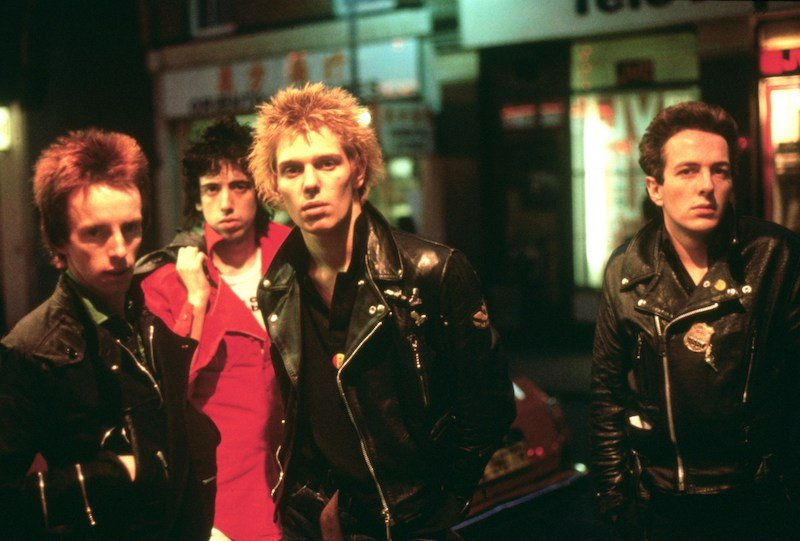 Easiest Karaoke Songs To Sing – The Clash Should I Stay Or Should I Go