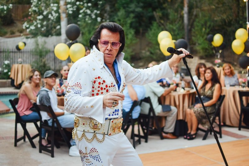 Elvis impersonator singing in the United States - Lucky Voice Karaoke available in the US