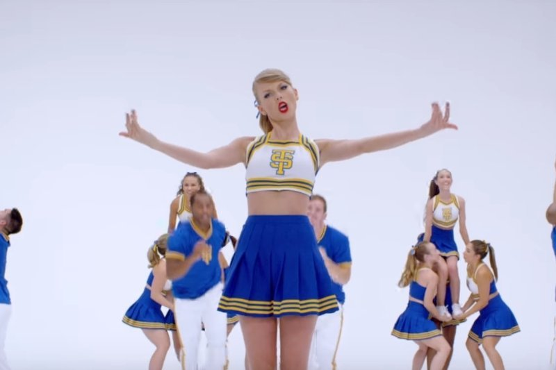 Easiest Karaoke Songs To Sing – Taylor Swift Shake It Off